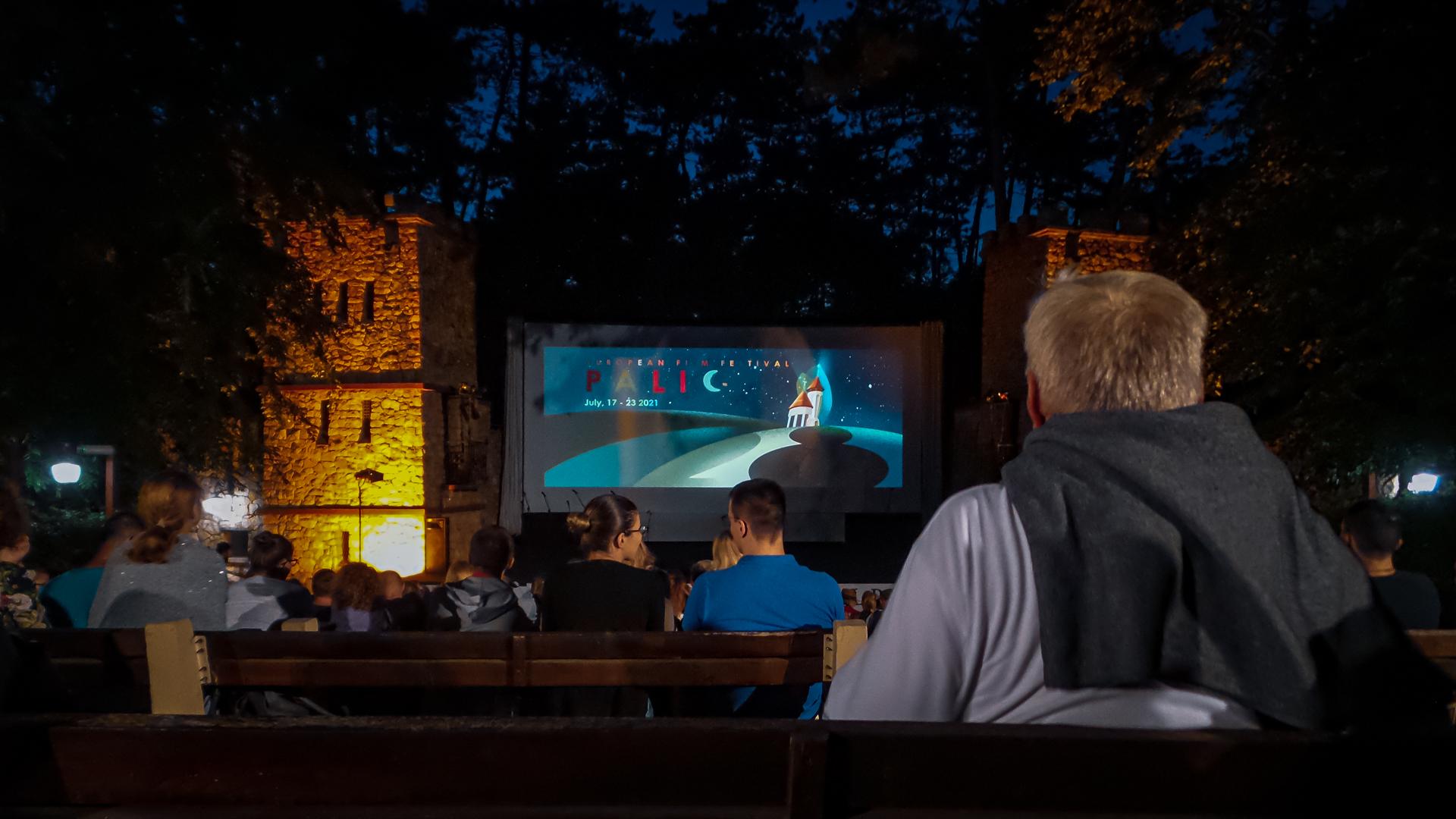 Outdoor-Bühne beim Film Festival Palić